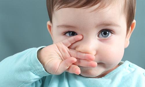 Проявления насморка у ребенка