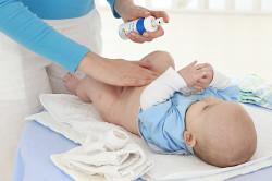 Ежедневная обработка пупка новорожденных