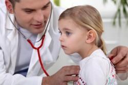 Консультация врача для лечения простуды у ребенка