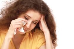 Слезоточивость - симптом аллергического ринита