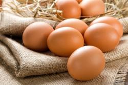 Куриные яйца при заложенности носа