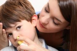 Неправильное промывание носа - причина болей в ушах
